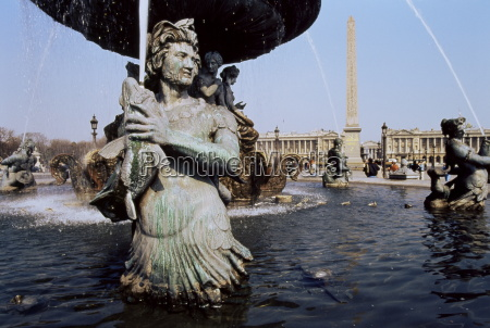 fountain place de la concorde paris