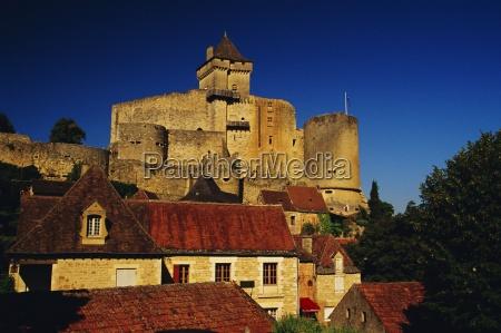 chateau de castelnaud dordogne aquitaine france