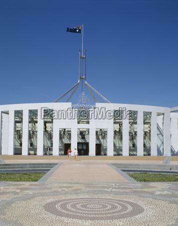 AEussere des neuen parlamentsgebaeude canberra australian