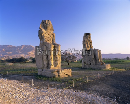 colossi of memnon west bank thebes