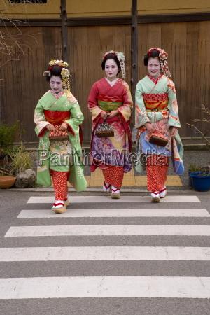 maiko apprentice geisha walking in the