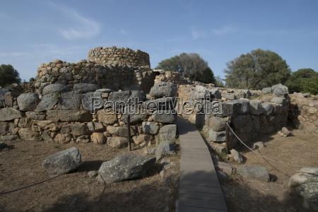 nuraghe la prisgiona archaeological site dating