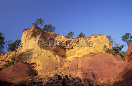 red ochre cliffs above the sentier