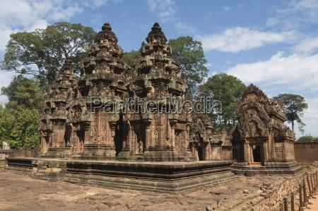 banteay srei hindu temple near angkor