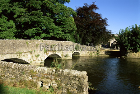 sheepwash bridge over the river wye