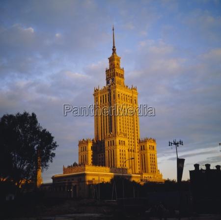 kulturpalast stalinistische architektur warschau wraclaw polen
