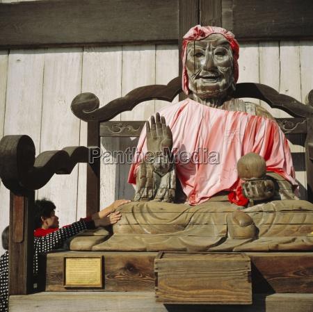 buddhistischer todai ji tempel bild von