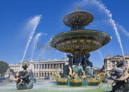 fountains in the place de la