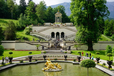 gardens at the palace of linderhof
