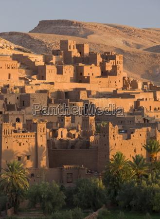 kasbah ait benhaddou backdrop to many