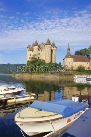 chateau de val on the river