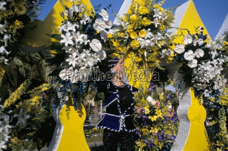 battle of the flowers carnival promenade