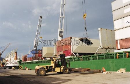 laden der containerschiff hafen von bilbao