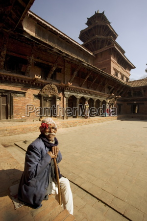 old man in the royal palace