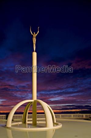 kunst farbe statue skulptur outdoor freiluft