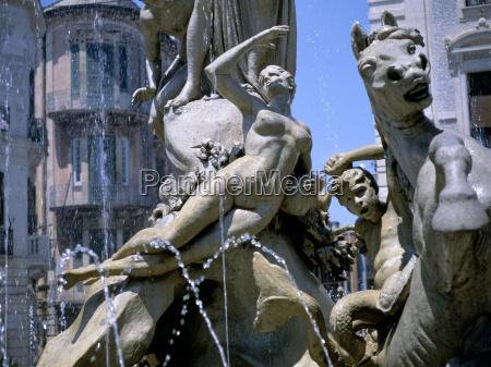 diana fountain siracusa syracuse island of