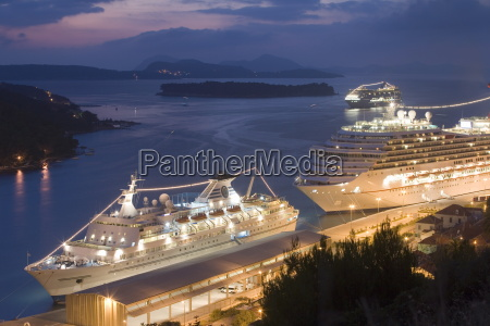 cruise ships in port dubrovnik dalmatia