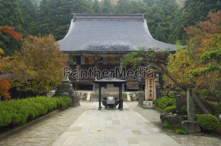 yamadera temple risshaku ji on mount