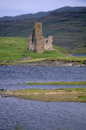 ardwreck castle on the shores of