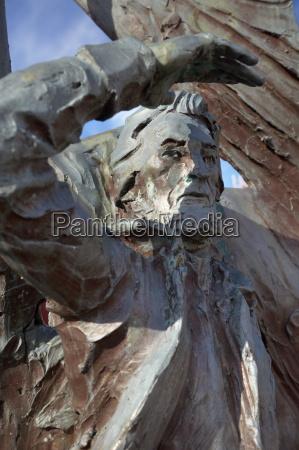 statue of nolsoyar pall poul poulsen