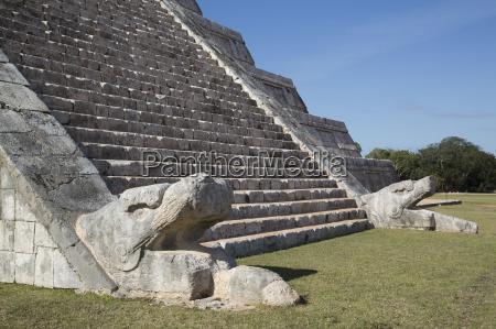serpent heads el castillo pyramid of