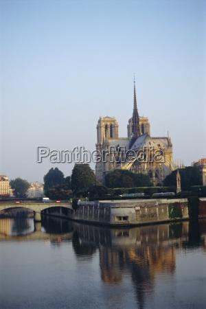 religion dom kathedrale reflexion europa staedte
