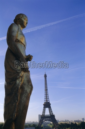 statues at trocadero and eiffel tower