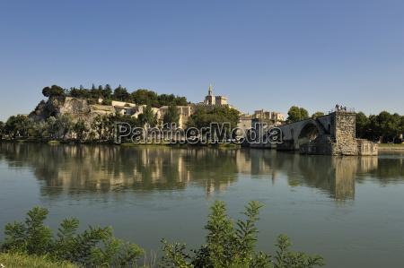 pont saint benezet and avignon city
