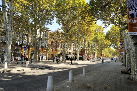 cours mirabeau and rue paul doumer