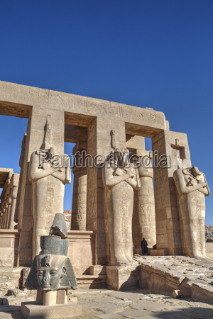 hypostyle hall the ramesseum mortuary temple