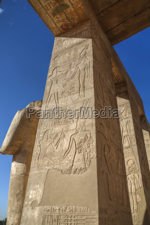 decorative reliefs hypostyle hall the ramesseum