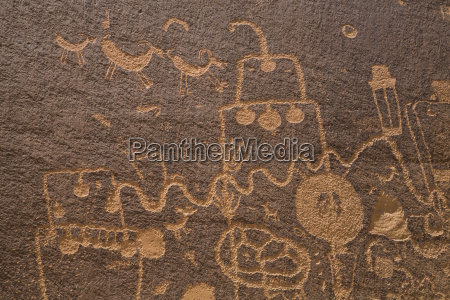 petroglyphs barrier canyon style indian creek