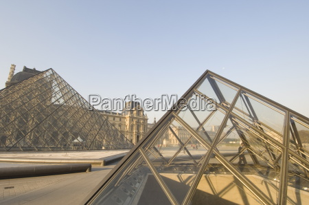musee de louvre paris france