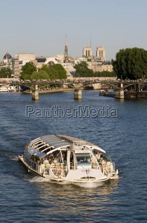 bateau mouiche on the river seine