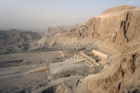 deir al bahri funerary temple of