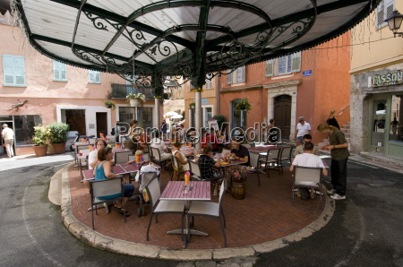 outdoor caf in place de