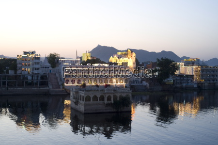 fahrt reisen berge asien indien reflexion