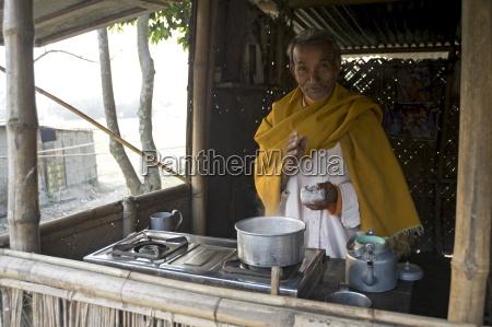 village chai wallah teamaker macht das