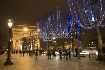 christmas lights and the arc de