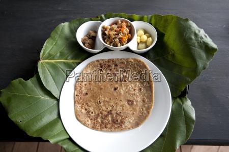 burmese mittagessen von chapati mit rindfleisch