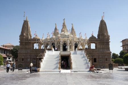 the carved white marble jain swaminarayan
