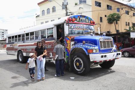 OEffentliche busse vor ort diablos rojos