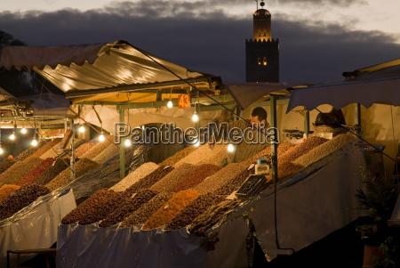fruit seller with the koutoubia minaret