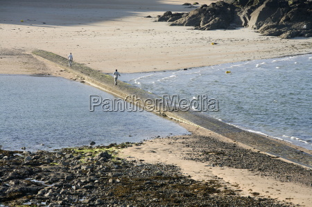 path leading from st malo to