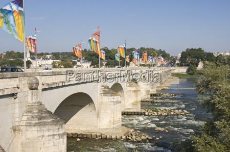 pont wilson bridge crossing the loire