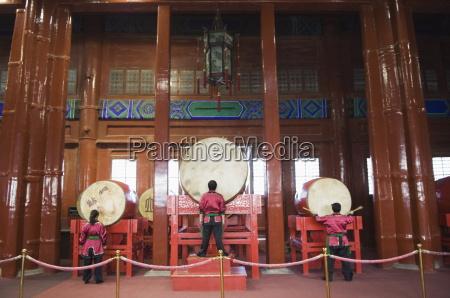 drummer in der drum towereine spaetere
