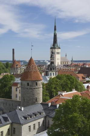 fahrt reisen bauten kirche stadt europa