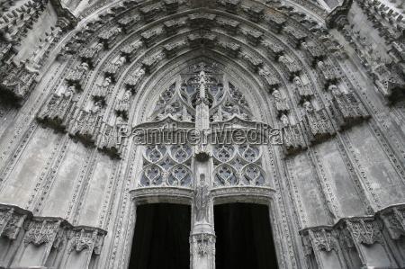 st gatien cathedral door tours indre
