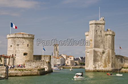 the towers of la chaine and