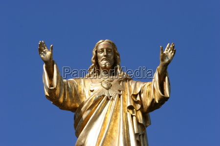 statue of jesus christ basilica of